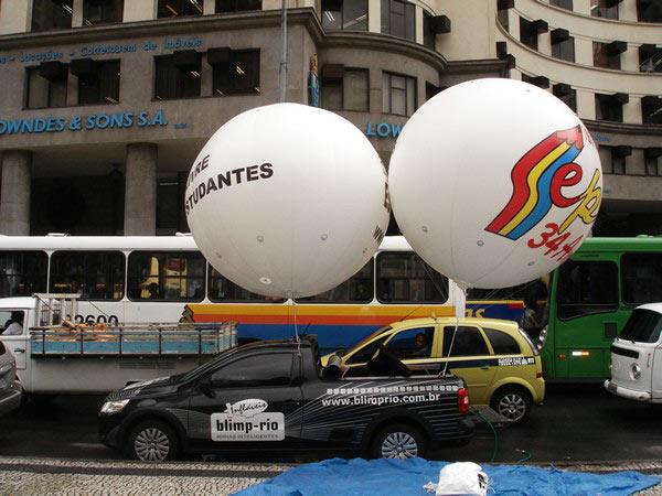 PASSEATA NO CENTRO DO RIO DE JANEIRO